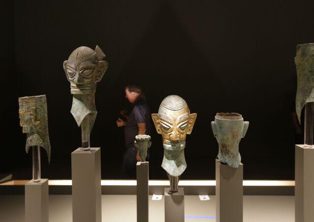 Máscaras da Idade do Bronze encontradas em Sanxingdui, na China
