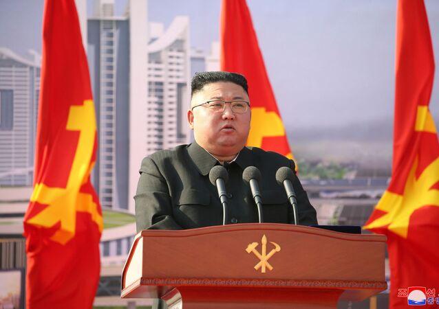 Líder norte-coreano, Kim Jong-un, discursa em inauguração de projeto habitacional, Pyongyang, 24 de março de 2021