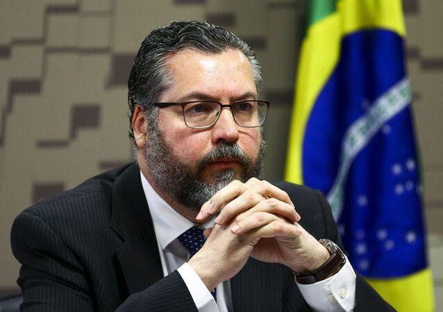 O ministro das Relações Exteriores, Ernesto Araújo, durante audiência pública na Comissão de Relações Exteriores e Defesa Nacional do Senado, em 5 de março de 2020.