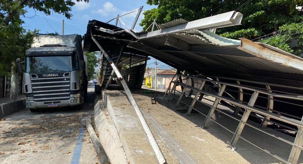 Estação do BRT Gramado, no bairro de Campo Grande, no Rio de Janeiro, desabou nesta quarta-feira, 24 de março de 2021