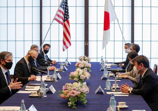Secretário de Estado dos EUA, Antony Blinken, encontra-se com o Ministro das Relações Exteriores do Japão, Toshimitsu Motegi, na Casa Iikura em Tóquio, Japão, em 16 de março de 2021