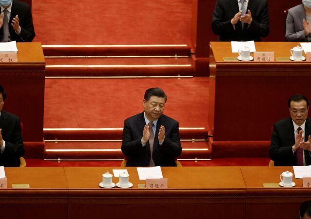 Xi Jinping aplaude abertura da Conferência de Consultoria Política Popular da China, em Pequim