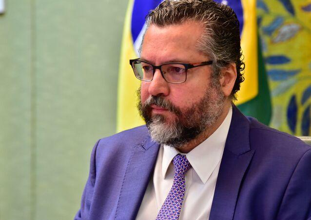 O chanceler Ernesto Araújo participa de reunião com representantes de países da América Latina e do Caribe, em 14 de dezembro de 2020