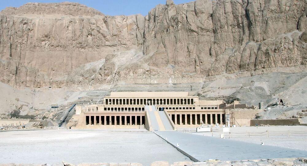 Templo egípcio (imagem referencial)