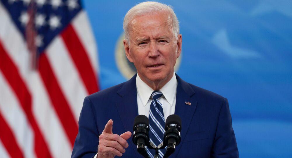 Presidente dos EUA, Joe Biden discursa após reunião com sua equipe de combate à COVID-19 na Casa Branca, 29 de março de 2021
