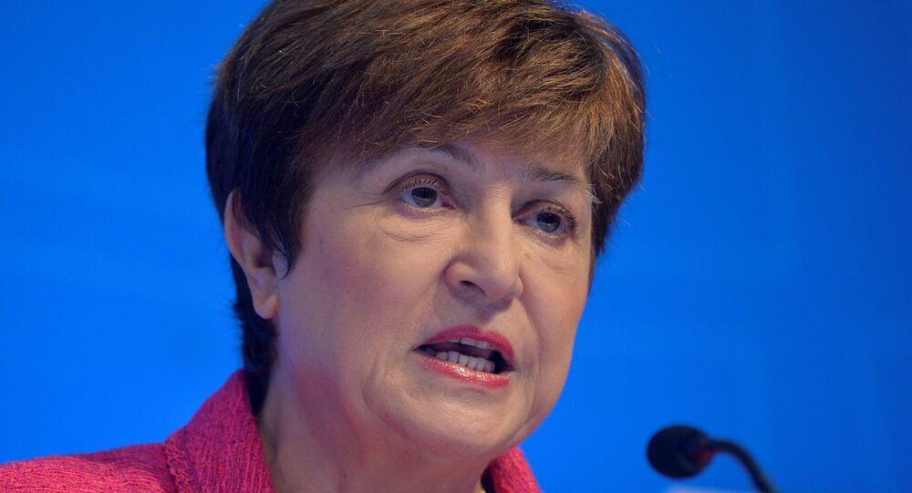 A diretora-gerente do Fundo Monetário Internacional (FMI), Kristalina Georgieva, faz comentários em uma entrevista coletiva de abertura durante reuniões do FMI e do Banco Mundial em Washington, EUA, 17 de outubro de 2019.