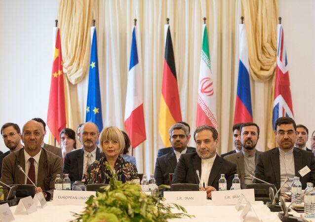 Reunião da Comissão Conjunta do Plano de Ação Conjunto Global (JCPOA, na sigla em inglês) com participação da China, França, Alemanha, Rússia, Reino unido e Irã em Viena, Áustria, 28 de julho de 2019