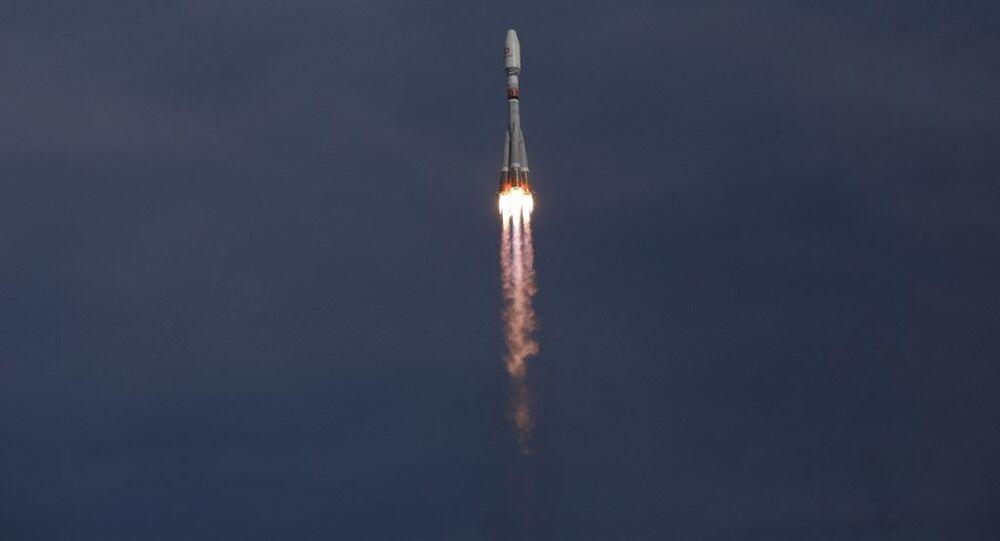 Impulsionador de foguete Soyuz-2.1b decola do cosmódromo Vostochny, no extremo oriente da Rússia em 25 de março de 2021