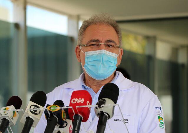 O ministro da Saúde, Marcelo Queiroga, em coletiva de imprensa em frente ao Ministério da Saúde, em Brasília