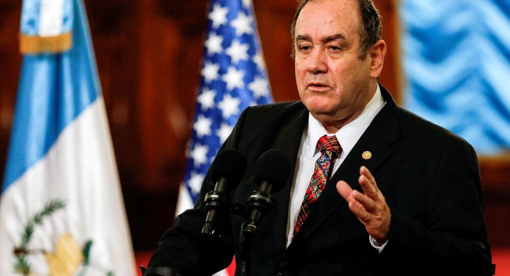 O presidente da Guatemala, Alejandro Giammattei, durante coletiva de imprensa.