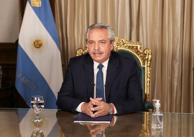 O presidente da Argentina, Alberto Fernández, pede aos argentinos que redobrem os cuidados no combate à COVID-19