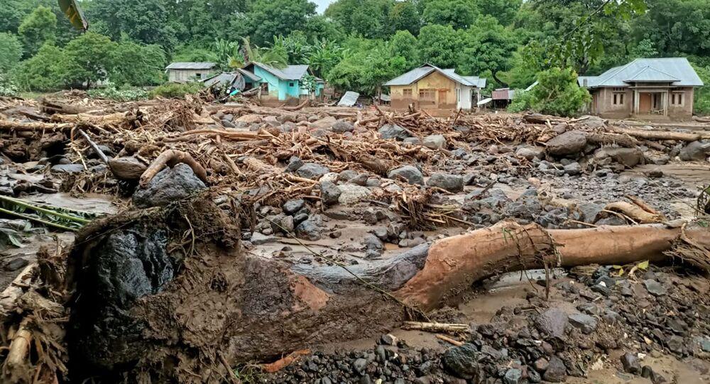 O ciclone tropical Seroja fez estrago em Adonara, na Indonésia, no dia 4 de abril de 2021
