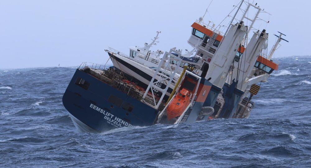 O navio de carga holandês Eemslift Hendrika no mar do Norte, no dia 6 de abril de 2021
