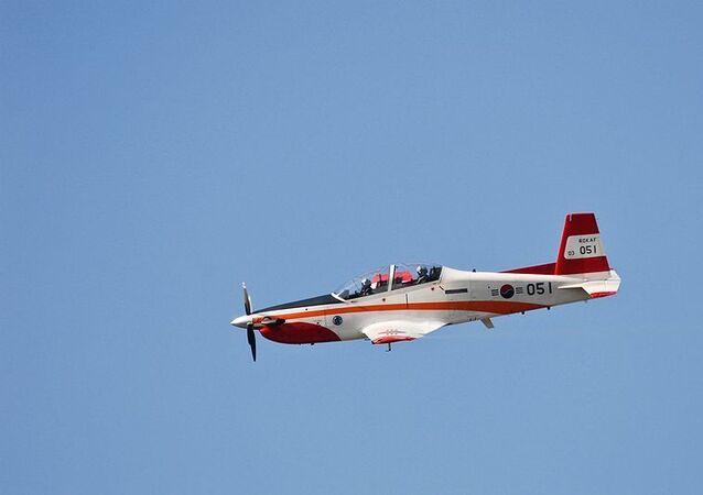 Avião de treinamento KT-1