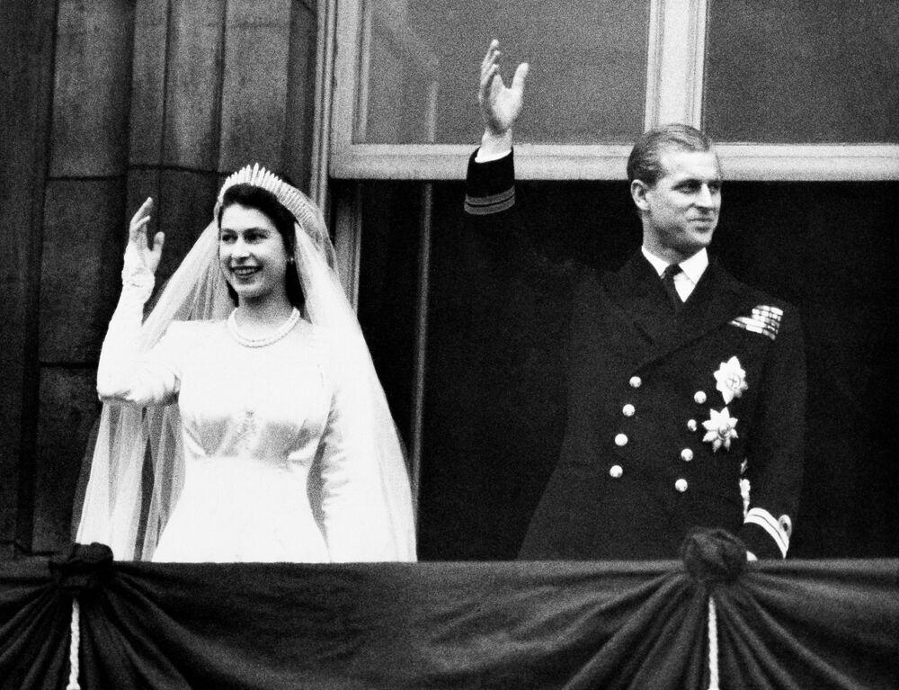 Princesa Elizabeth II e príncipe Philip no dia do casamento, 20 de novembro de 1947
