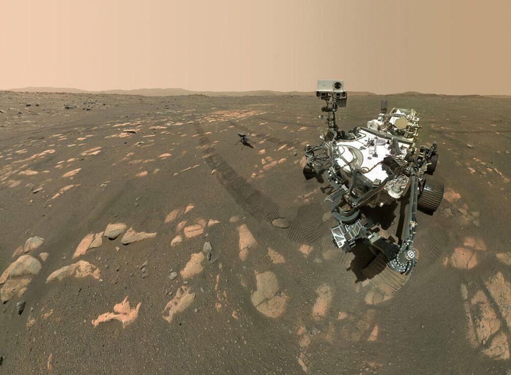 Rover Perseverance da NASA tira selfie com helicóptero Ingenuity