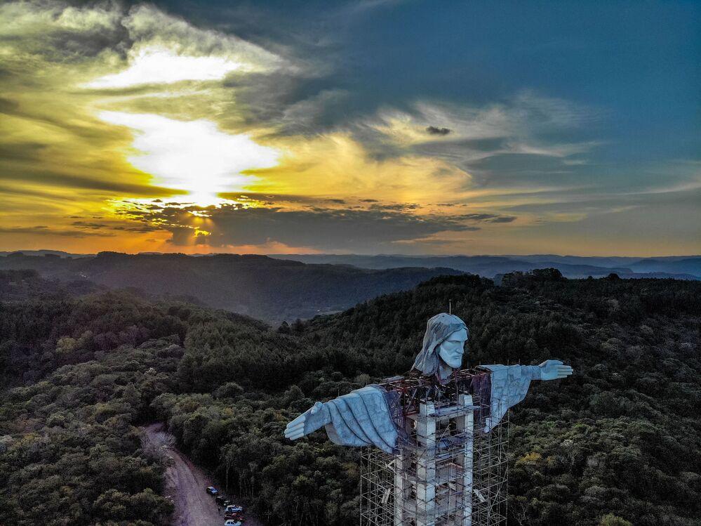 Quando terminada a construção, a estátua Cristo Protetor será a terceira maior estátua do mundo