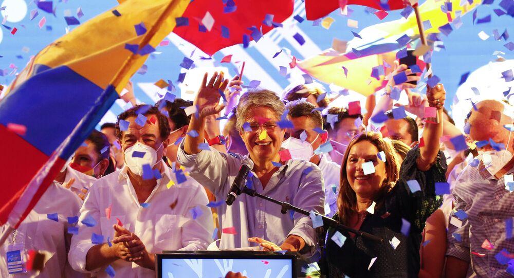 Candidato Guilherme Lasso celebra vitória presidencial em Guayaquil, Equador, 11 de abril de 2021