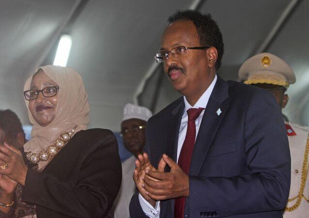 Mohamed Abdullahi Mohamed Farmajo durante sua posse como presidente da Somália, em Mogadíscio, em 22 de fevereiro de 2017