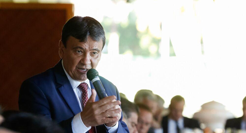 O governador do Piauí, Wellington Dias (PT), em reunião com o presidente do Senado Federal, em Brasília, em 8 de maio de 2019