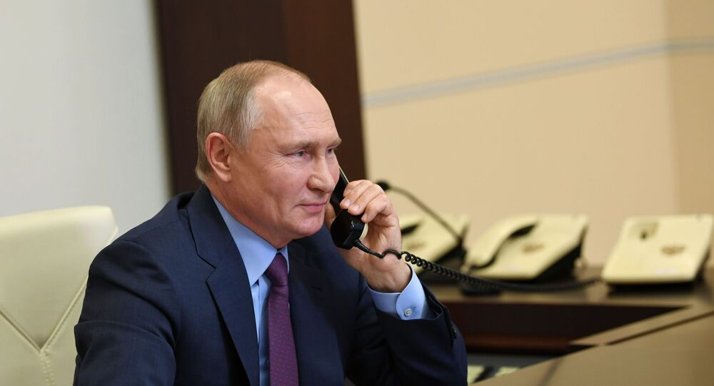 Presidente Vladimir Putin em uma ligação telefônica