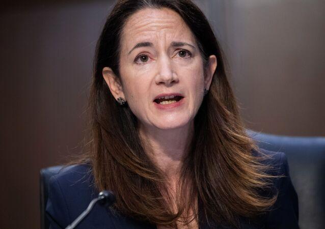 A diretora de Inteligência Nacional dos EUA, Avril Haines, fala em uma audiência do Comitê de Inteligência do Senado sobre ameaças mundiais, em Washington, em 14 de abril de 2021