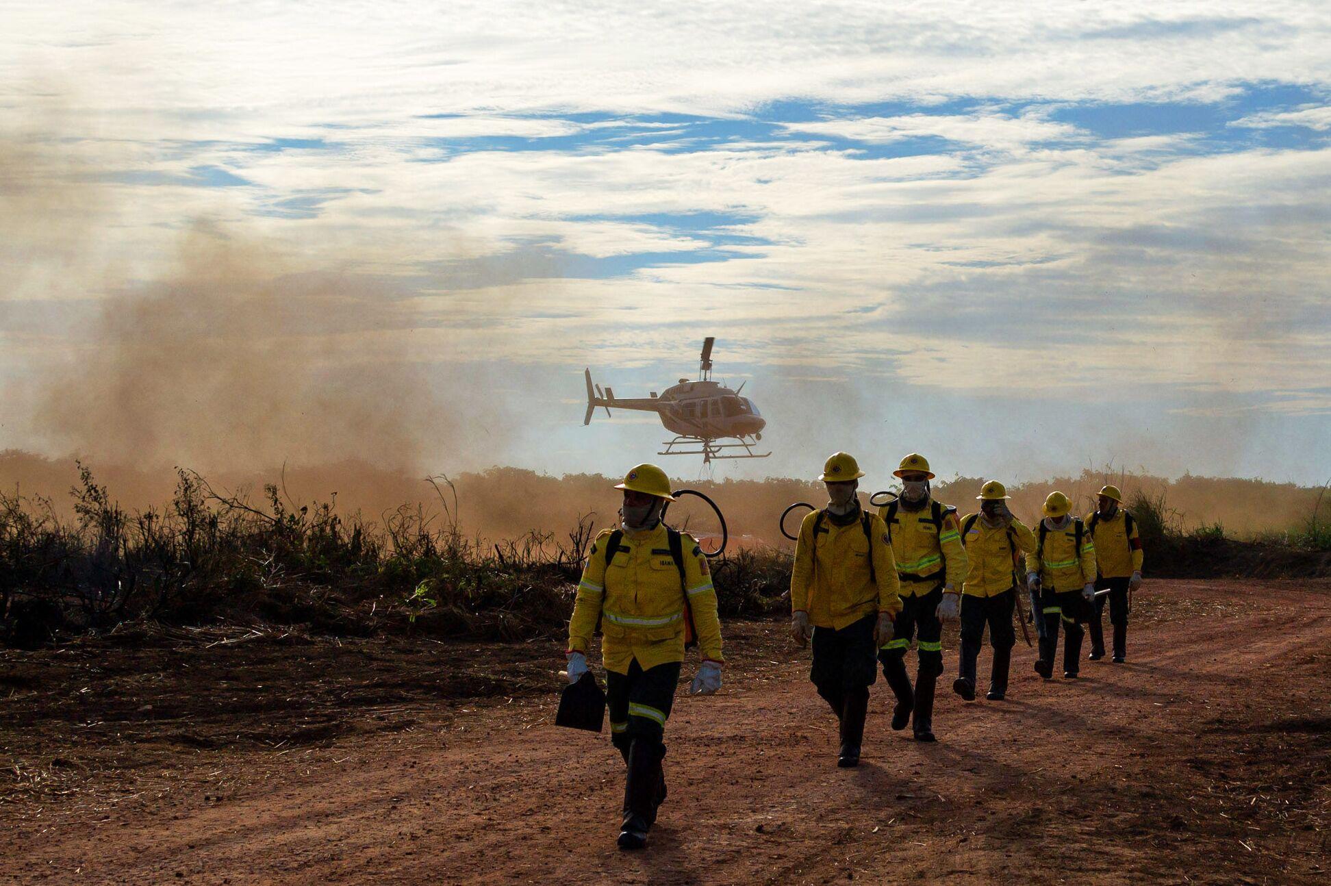 A presença de mais de mil brigadistas do Centro Nacional de Prevenção e Combate aos Incêndios Florestais (Prevfogo) do Ibama em campo neste ano contribuiu para grande redução no número de focos de calor na Amazônia legal em 2019; foto de 3 de outubro de 2019