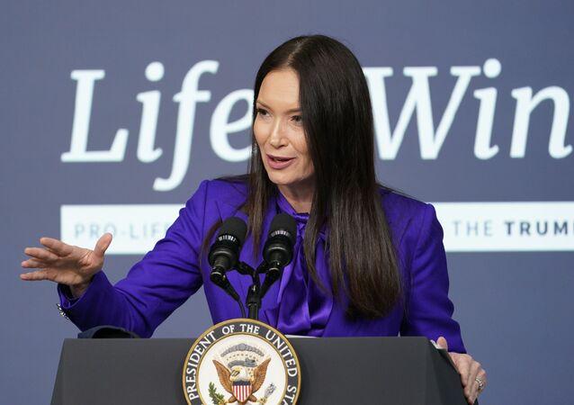 Brooke Rollins, assistente do presidente dos EUA e diretora do Conselho de Política Doméstica da Casa Branca, fala durante evento da Casa Branca em Washington, EUA, 16 de dezembro de 2020