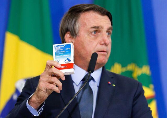 O presidente Jair Bolsonaro recomendo o uso de cloroquina contra a COVID-19 na posse de Eduardo Pazuello como ministro da Saúde, em 16 de setembro de 2020
