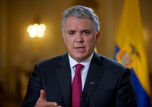 O presidente da Colômbia, Ivan Duque, fala durante uma entrevista à Reuters em Bogotá, Colômbia, 12 de março de 2021.