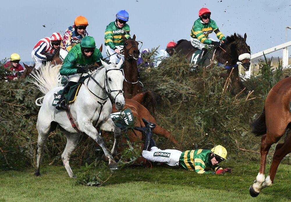 Corrida de cavalos em Liverpool, Reino Unido, 10 de abril de 2021