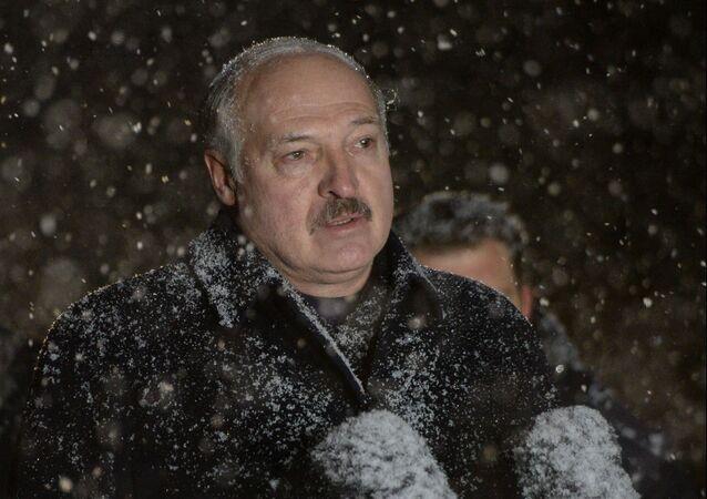 Em Minsk, o presidente da Bielorrússia, Aleksandr Lukashenko, discursa durante comício em Khatyn, em 21 de março de 2021