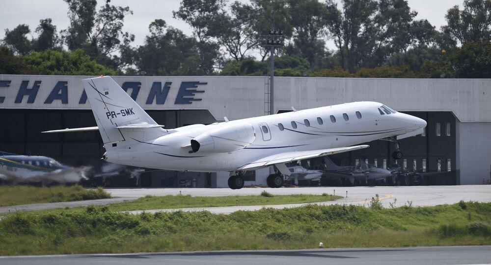 Imagem de aeronave decolando do Aeroporto da Pampulha, em Belo Horizonte, no Brasil, no dia 4 de março de 2018