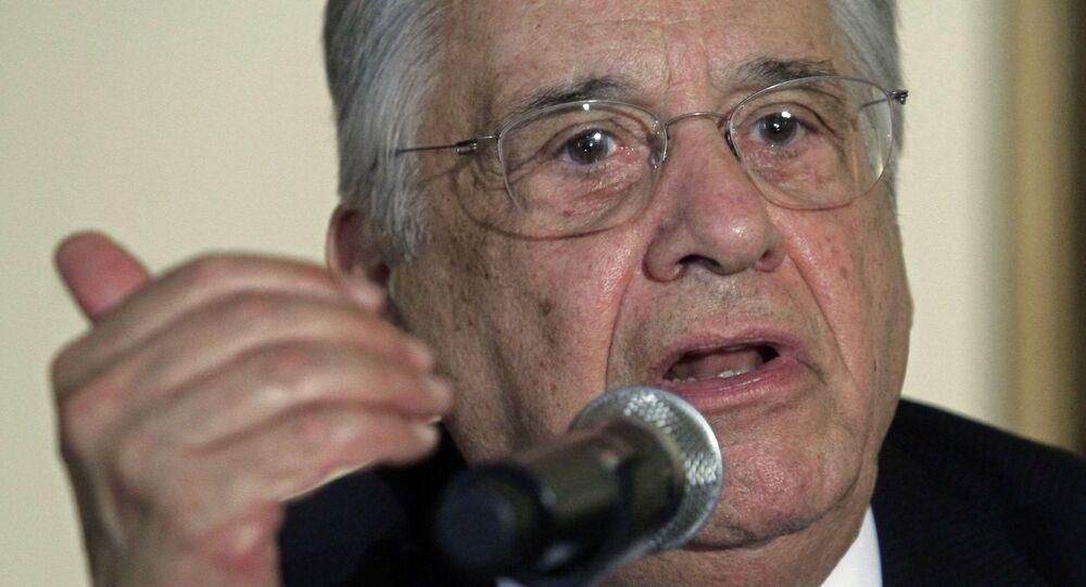 Em Nova York, o ex-presidente do Brasil, Fernando Henrique Cardoso, participa de uma coletiva de imprensa em um hotel após o lançamento de um relatório da Comissão Global sobre Política de Drogas, em 2 de junho de 2011