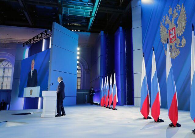 Presidente russo, Vladimir Putin, durante seu discurso anual perante a Assembleia Federal no Manège de Moscou, 21 de abril de 2021