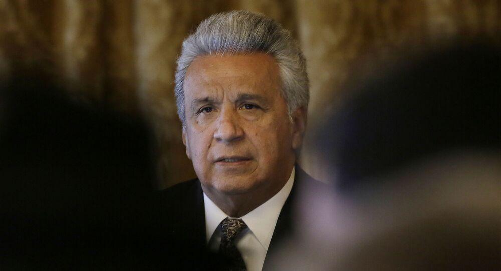 Em Quito, o presidente do Equador, Lenín Moreno, fala com a imprensa antes de se encontrar com representantes de movimentos sociais, em 10 de março de 2020