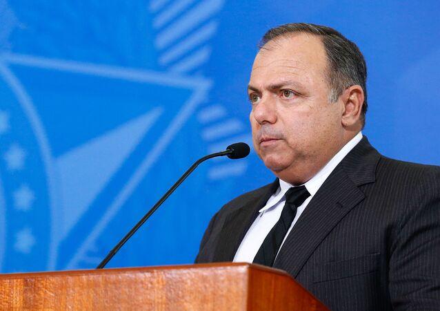 O ex-ministro da Saúde Eduardo Pazuello ganhou um novo cargo no governo Bolsonaro: a partir de 23 de abril de 2021 ele faz parte da Secretaria-Geral do Exército; foto de 16 de setembro de 2020