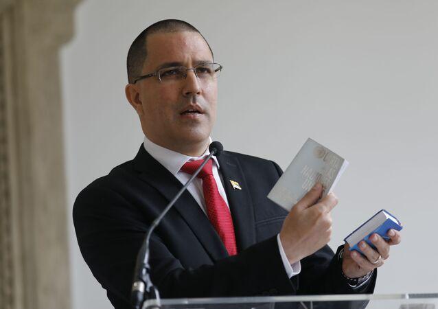 Jorge Arreaza, ministro das Relações Exteriores da Venezuela, dá coletiva de imprensa em seu escritório em Caracas, Venezuela, 24 de fevereiro de 2021