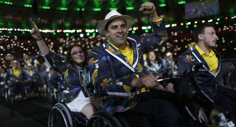 Delegação brasileira durante cerimônia de abertura dos Jogos Paralímpicos no Rio de Janeiro, em 2016.