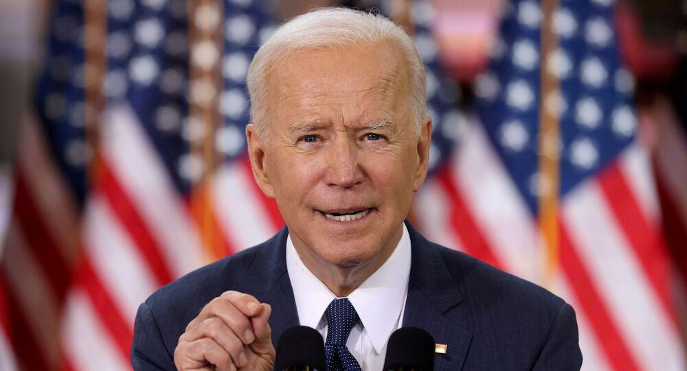 Em Pittsburgh, no estado norte-americano da Pennsylvania, o presidente dos Estados Unidos, Joe Biden, discursa sobre plano de infraestrutura do governo, em 31 de março de 2021