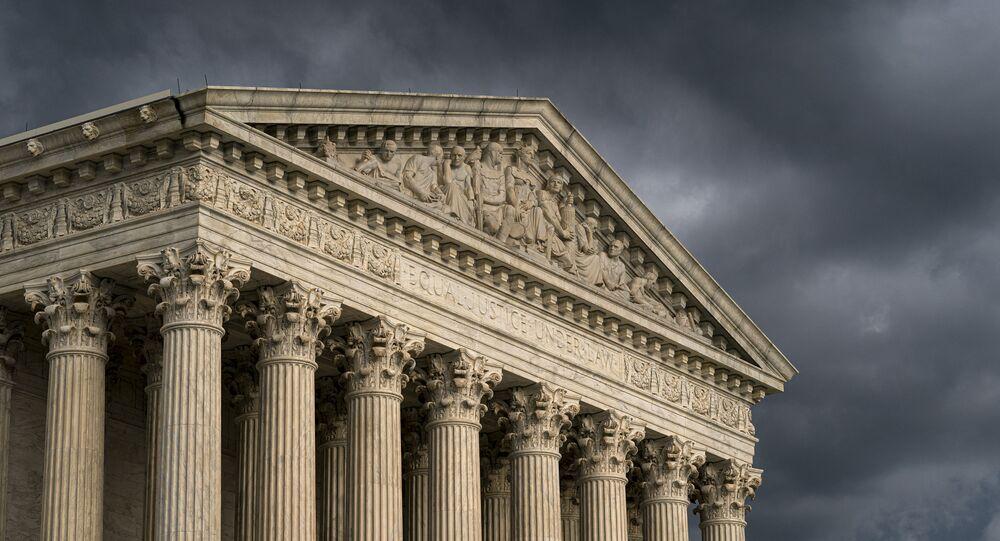 A Suprema Corte é vista em Washington quando uma tempestade se aproxima, em junho de 2019