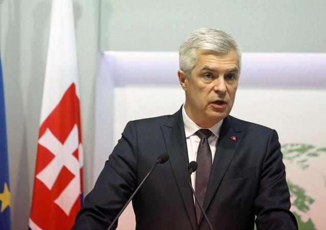 O Ministro das Relações Exteriores da Eslováquia, Ivan Korcok, durante uma coletiva de imprensa, em 23 de novembro de 2020