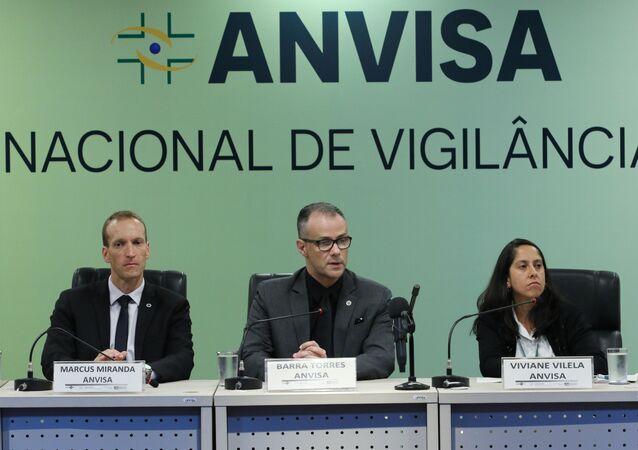 Marcus Miranda, o diretor-presidente substituto, Antonio Barra e a coordenadora de infraestrutura e meio de transporte da gerência geral de portos, aeroportos e fronteiras da Anvisa, Viviane Vilella.