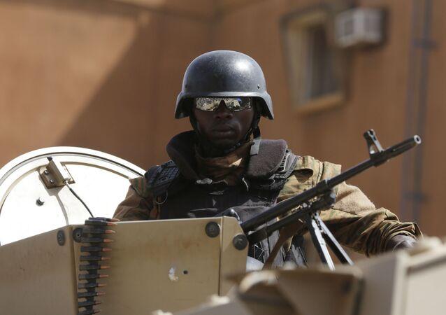 Soldado do Exército de Burkina Faso