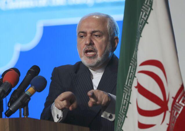 Ministro das Relações Exteriores do Irã, Mohammad Javad Zarif, durante conferência em Teerã, Irã, 23 de fevereiro de 2021