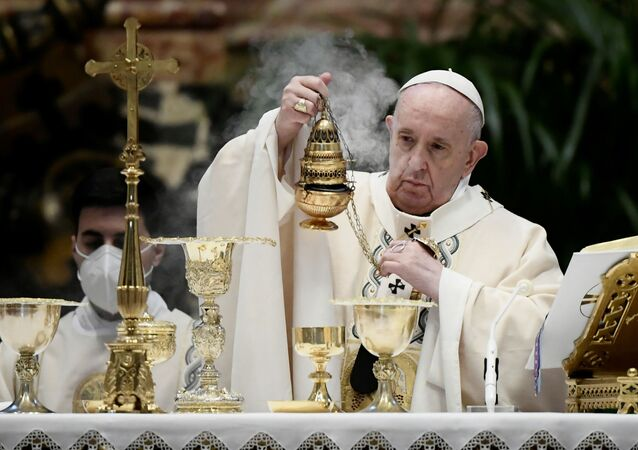 O papa Francisco durante a missa de Páscoa, no Vaticano, em 4 de abril de 2021