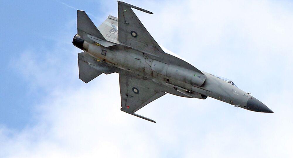 Caça JF-17 desenvolvido em conjunto entre China e Paquistão