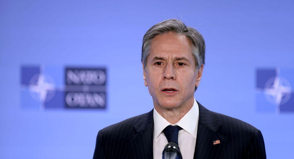 Em Bruxelas, na Bélgica, o secretário de Estado dos EUA, Antony Blinken, fala durante coletiva de imprensa na sede da OTAN, em 14 de abril de 2021