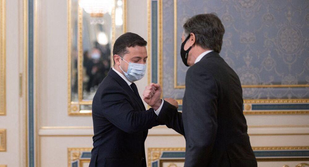 Secretário de Estado dos EUA, Antony Blinken se encontra com o presidente da Ucrânia, Vladimir Zelensky