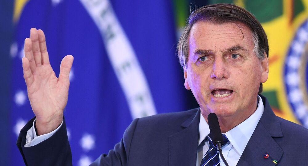 O presidente brasileiro Jair Bolsonaro fala durante evento no Palácio do Planalto, em Brasília, no dia 5 de maio de 2021